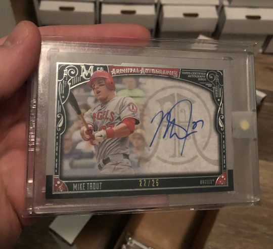 2017 Topps Museum Collections Mike Trout Auto #22/25